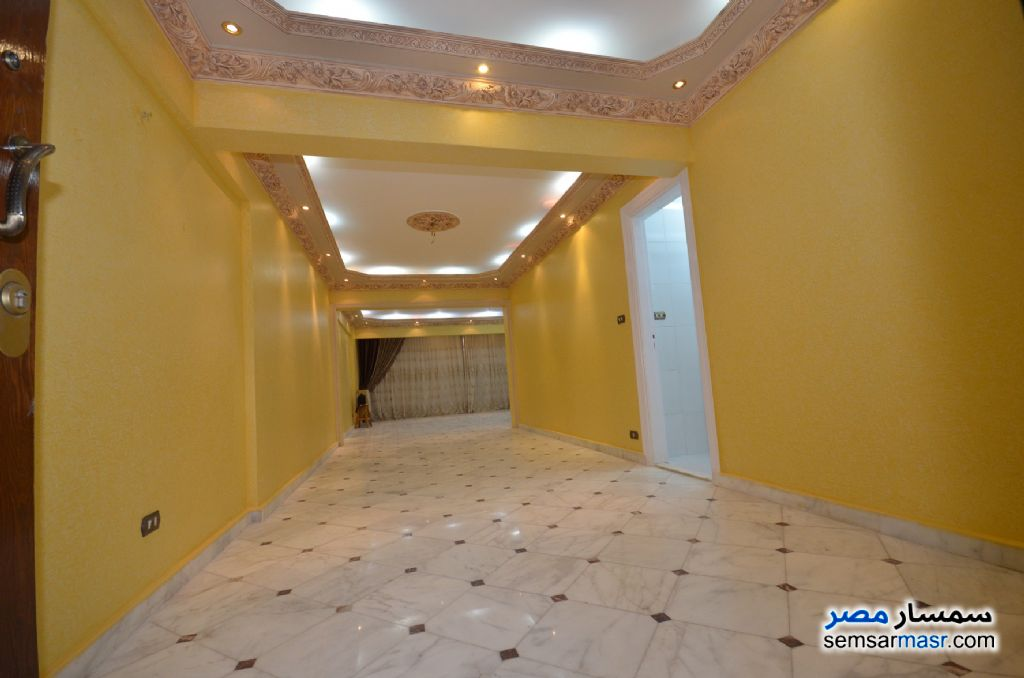 Photo 10 - Apartment 3 bedrooms 2 baths 200 sqm extra super lux For Rent Al Lbrahimiyyah Alexandira