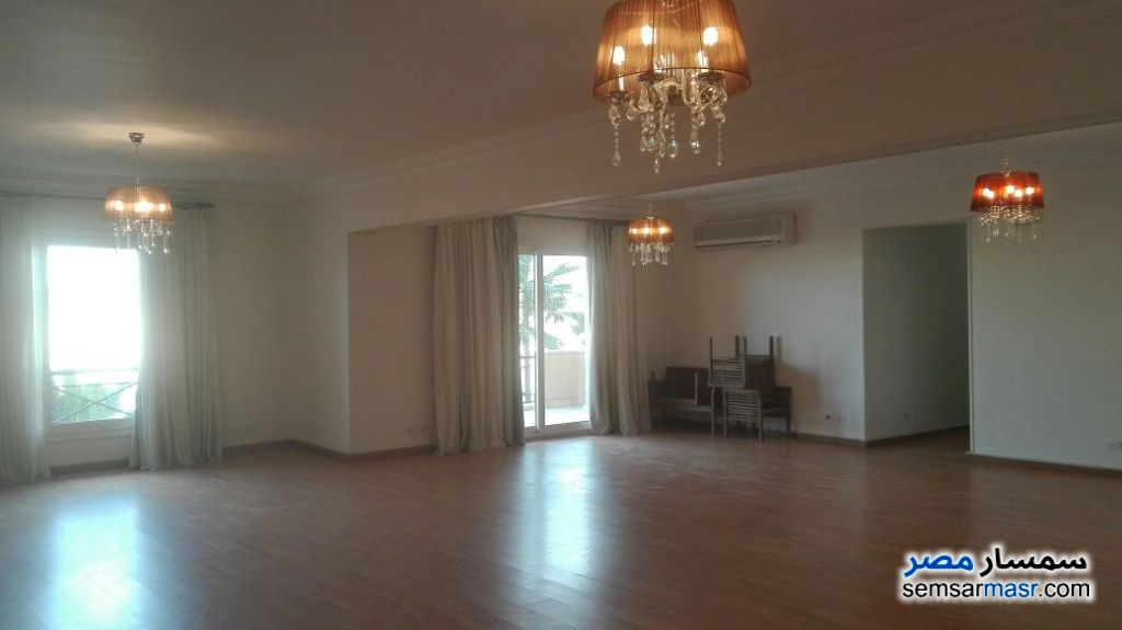 Ad Photo: Apartment 4 bedrooms 3 baths 300 sqm extra super lux in Egypt