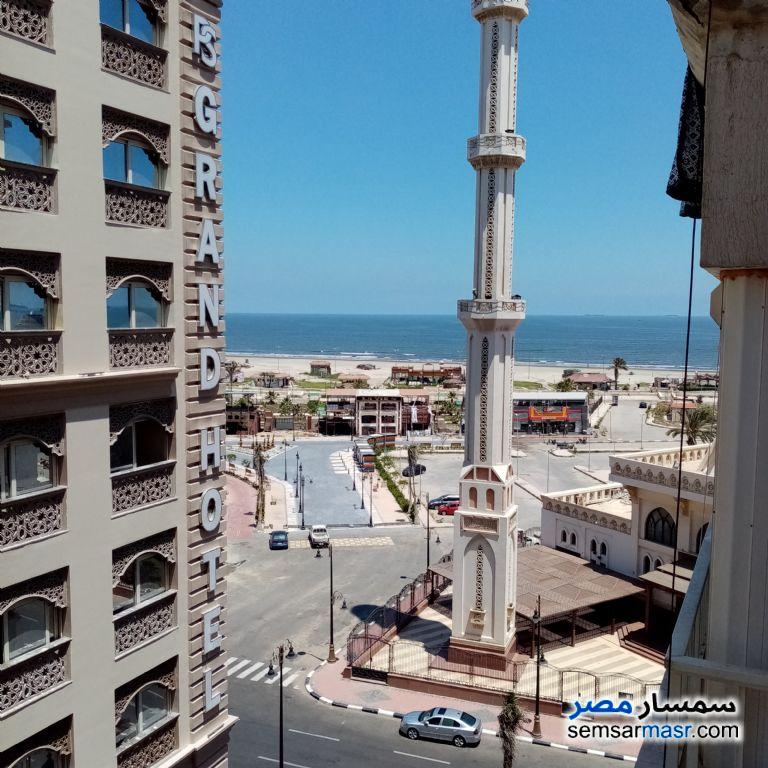 Ad Photo: Apartment 2 bedrooms 1 bath 140 sqm super lux in Arab District  Port Said