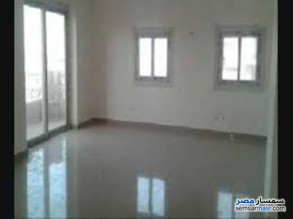 Photo 2 - Apartment 3 bedrooms 2 baths 200 sqm super lux For Rent Mohandessin Giza