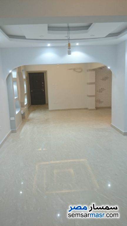 Ad Photo: Apartment 3 bedrooms 2 baths 150 sqm super lux in Arab District  Port Said