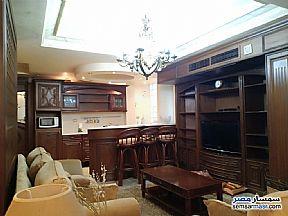 Ad Photo: Apartment 5 bedrooms 6 baths 300 sqm super lux in Mohandessin  Giza