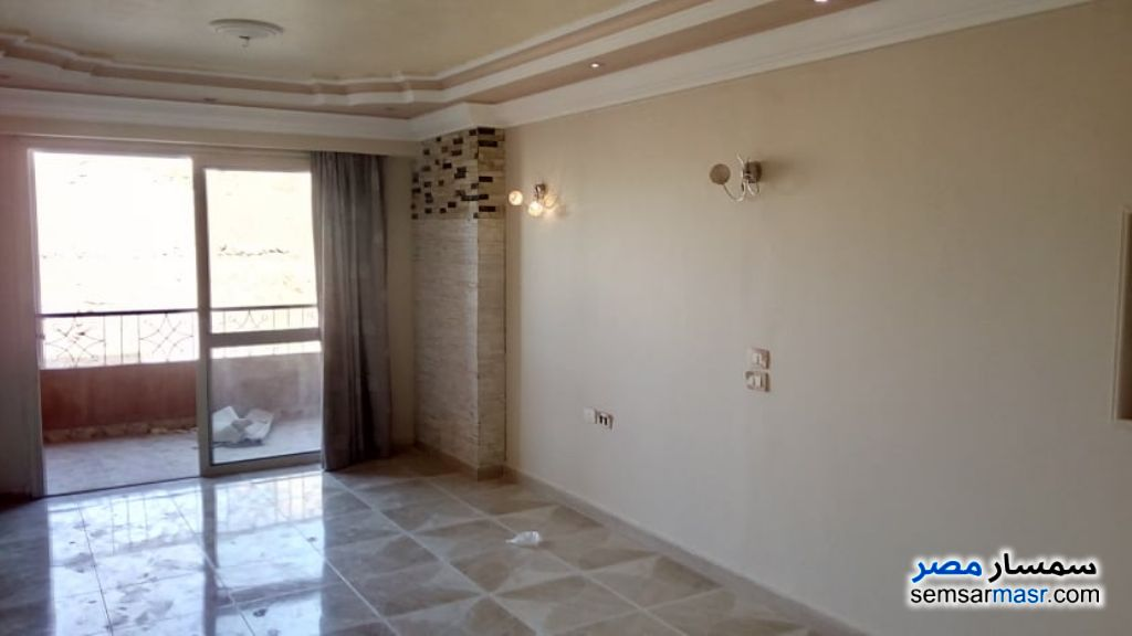 Photo 1 - Apartment 3 bedrooms 2 baths 105 sqm extra super lux For Rent Maadi Cairo