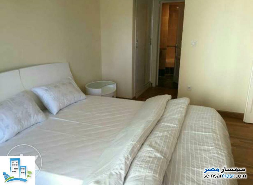 Ad Photo: Apartment 4 bedrooms 3 baths 268 sqm extra super lux in Egypt