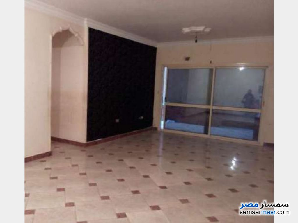 Photo 1 - Apartment 3 bedrooms 2 baths 175 sqm super lux For Rent Mohandessin Giza