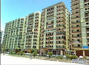 Ad Photo: Apartment 2 bedrooms 1 bath 90 sqm extra super lux in Asyut City  Asyut