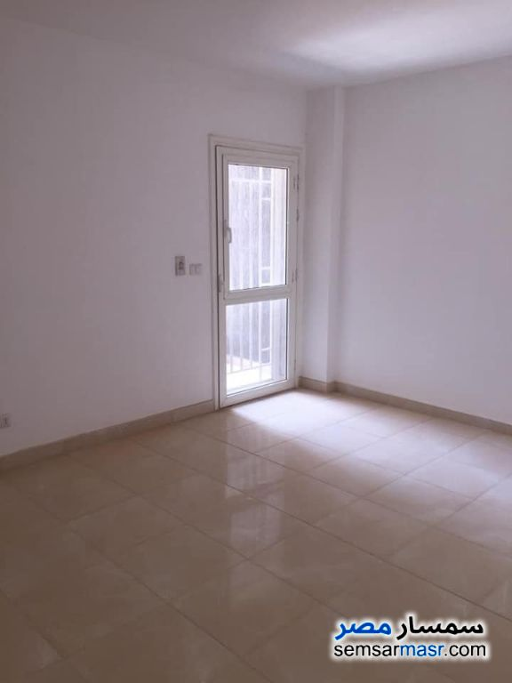 Ad Photo: Apartment 3 bedrooms 2 baths 140 sqm super lux in Madinaty  Cairo