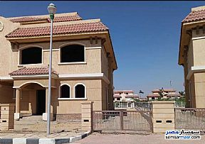 Ad Photo: Villa 3 bedrooms 3 baths 225 sqm without finish in Madinaty  Cairo