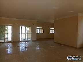 Villa 4 bedrooms 3 baths 300 sqm extra super lux For Sale Madinaty Cairo - 3