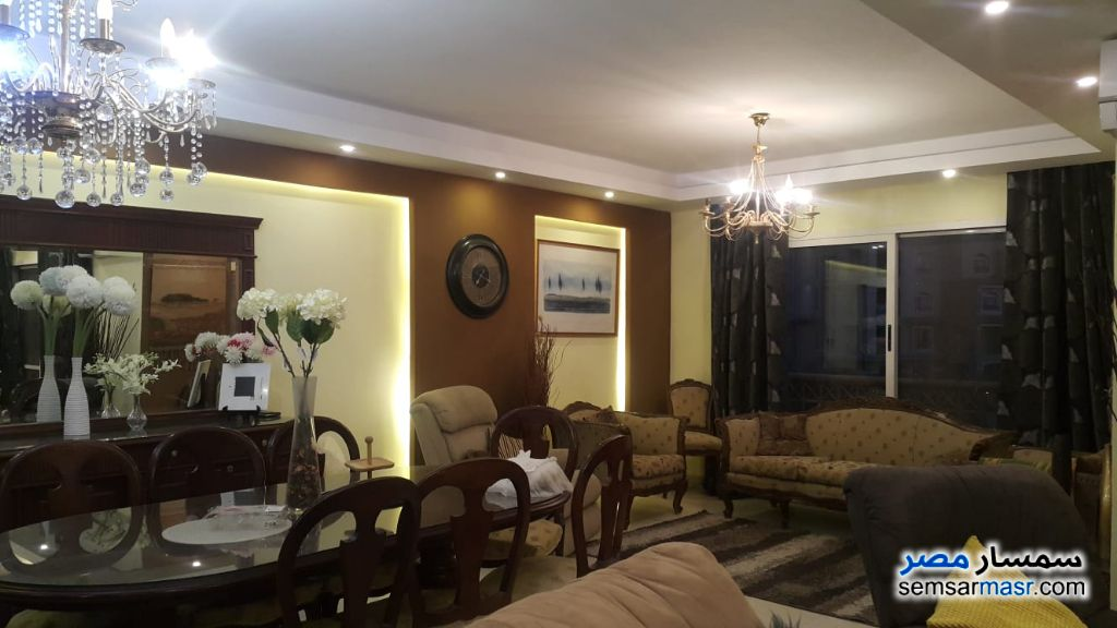 Ad Photo: Apartment 3 bedrooms 3 baths 250 sqm extra super lux in Madinaty  Cairo