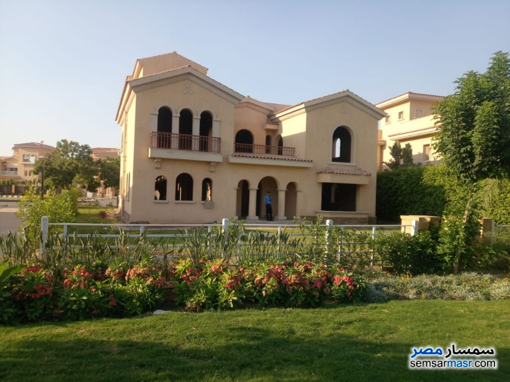 Photo 2 - Villa 4 bedrooms 3 baths 700 sqm without finish For Sale Madinaty Cairo
