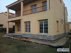 Ad Photo: Villa 3 bedrooms 3 baths 542 sqm extra super lux in Madinaty  Cairo