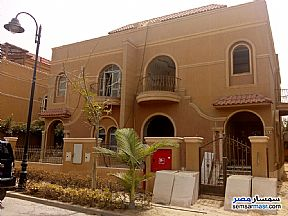 Ad Photo: Villa 3 bedrooms 2 baths 328 sqm semi finished in October Gardens  6th of October