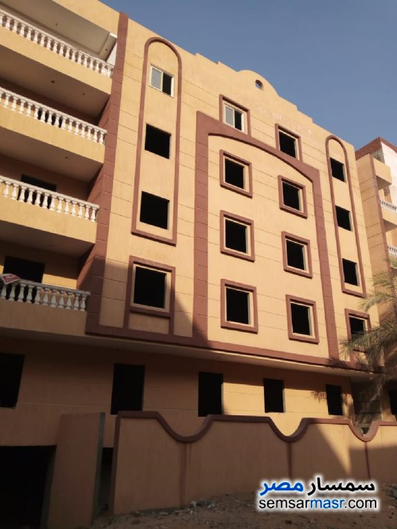 Ad Photo: Apartment 2 bedrooms 1 bath 100 sqm semi finished in Districts  6th of October
