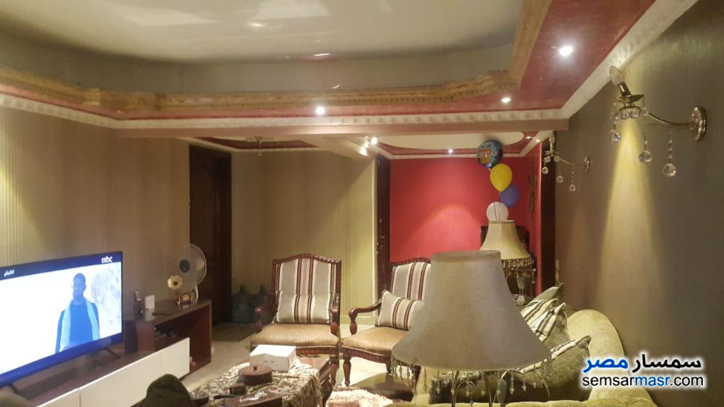 Ad Photo: Apartment 3 bedrooms 2 baths 300 sqm super lux in Mohandessin  Giza