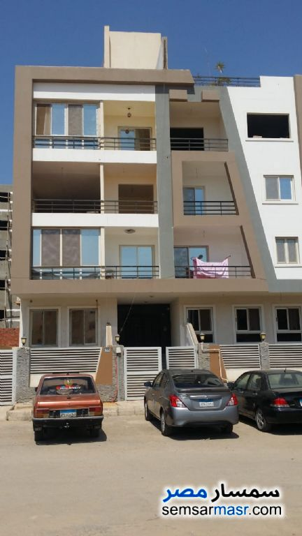 Ad Photo: Apartment 3 bedrooms 2 baths 200 sqm semi finished in Sheikh Zayed  6th of October