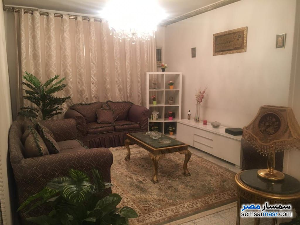 Ad Photo: Apartment 2 bedrooms 2 baths 125 sqm super lux in Giza
