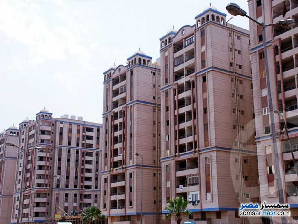 Ad Photo: Apartment 3 bedrooms 1 bath 138 sqm semi finished in Old Cairo  Cairo