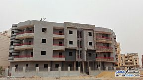 Ad Photo: Apartment 4 bedrooms 3 baths 185 sqm semi finished in Shorouk City  Cairo