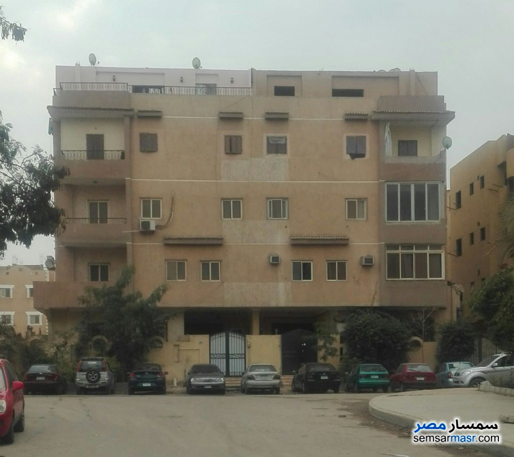Ad Photo: Apartment 2 bedrooms 1 bath 115 sqm super lux in First Settlement  Cairo