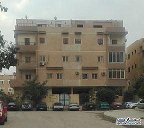 Ad Photo: Apartment 2 bedrooms 1 bath 105 sqm super lux in First Settlement  Cairo