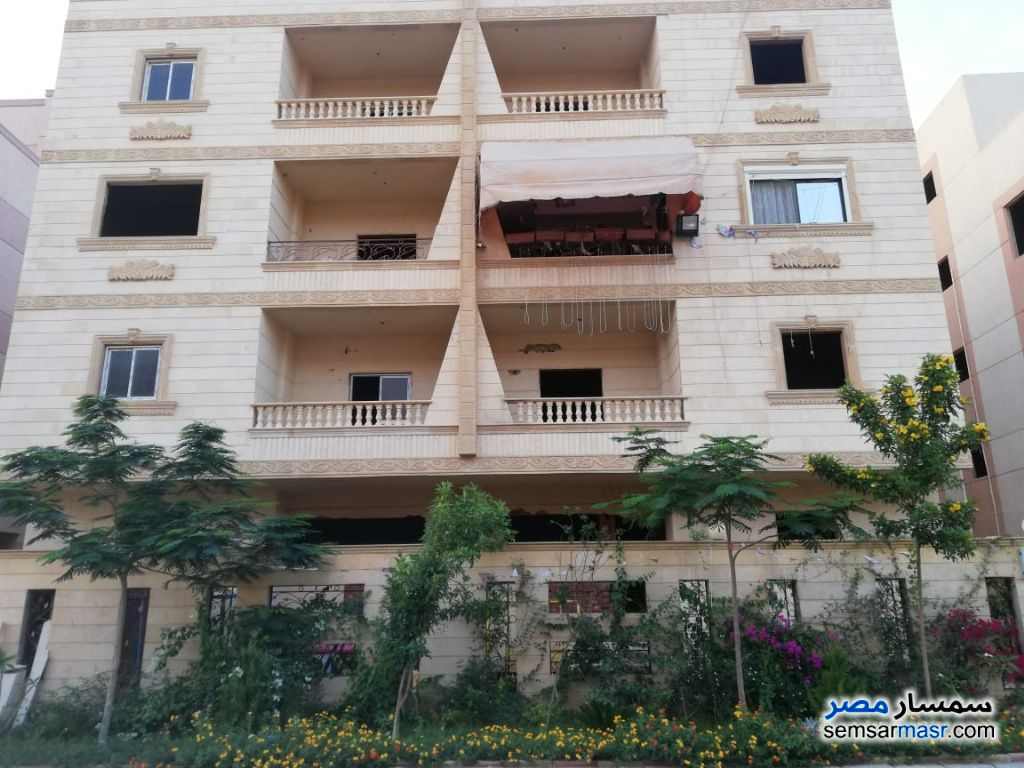 Apartment 3 bedrooms 2 baths 190 sqm semi finished