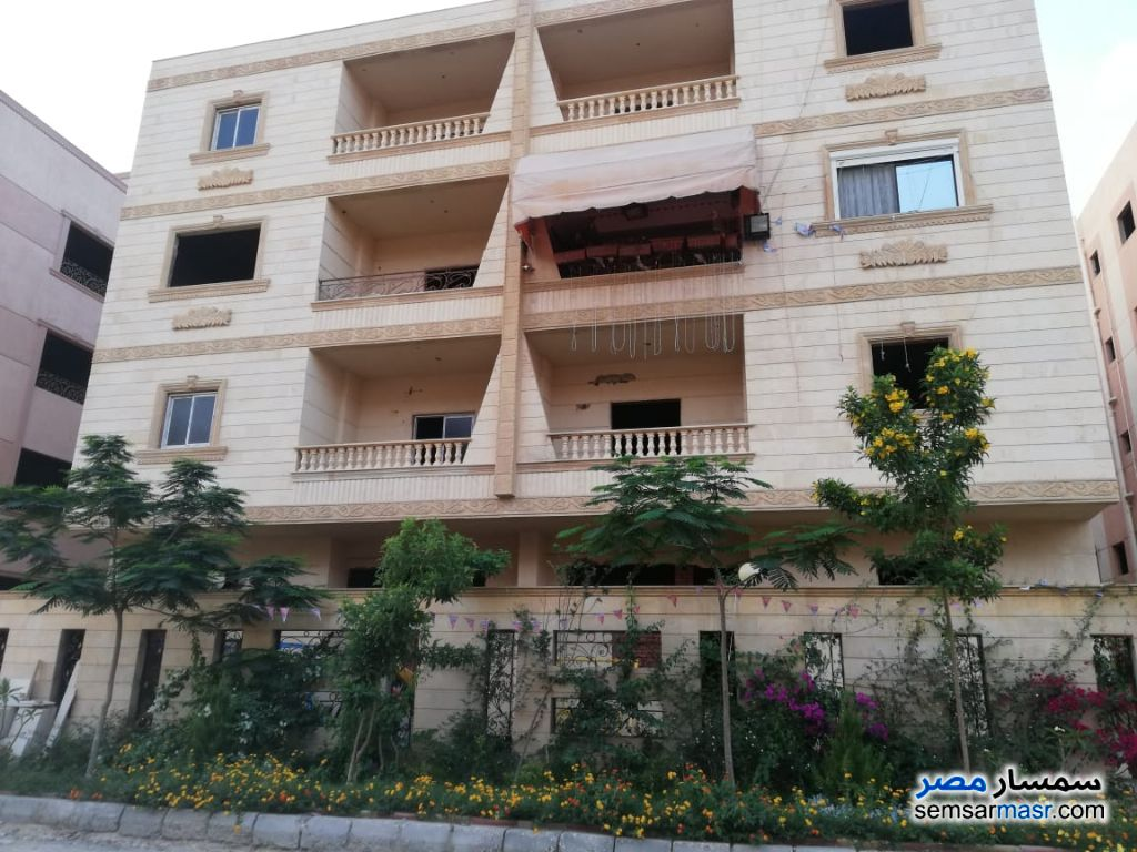 Photo 2 - Building 3 bedrooms 2 baths 190 sqm semi finished For Sale Shorouk City Cairo