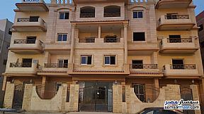 Ad Photo: Apartment 4 bedrooms 3 baths 222 sqm semi finished in Shorouk City  Cairo