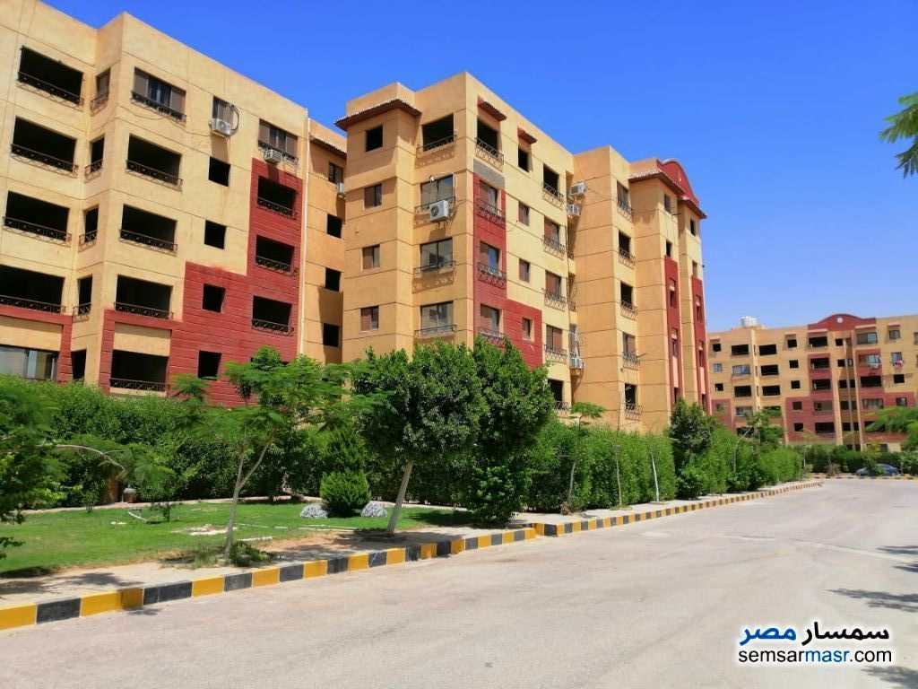 Ad Photo: Apartment 3 bedrooms 2 baths 110 sqm semi finished in October Gardens  6th of October