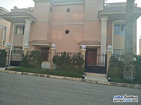Ad Photo: Villa 6 bedrooms 4 baths 420 sqm semi finished in Shorouk City  Cairo