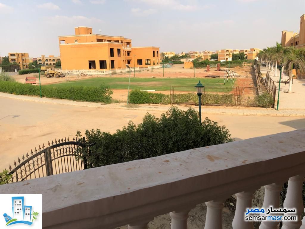 Photo 4 - Villa 4 bedrooms 3 baths 220 sqm without finish For Sale Shorouk City Cairo
