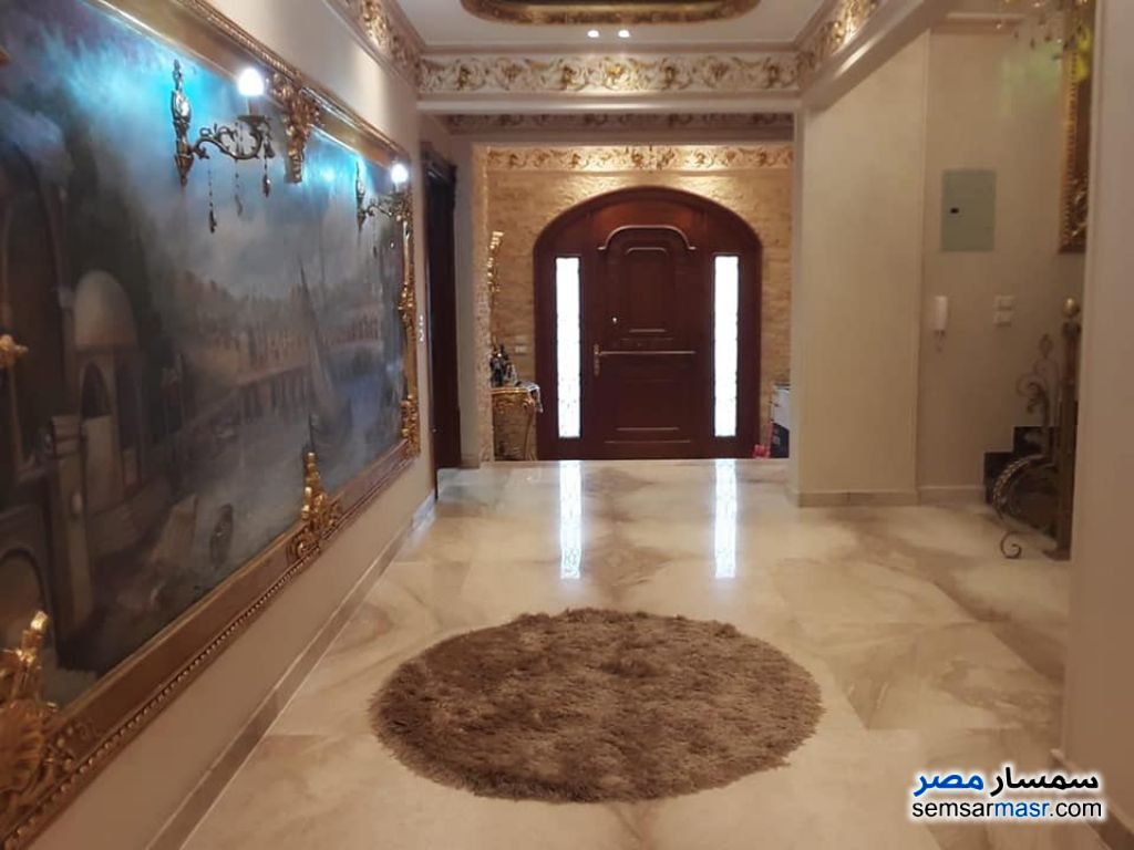 Ad Photo: Villa 9 bedrooms 8 baths 580 sqm extra super lux in West Somid  6th of October