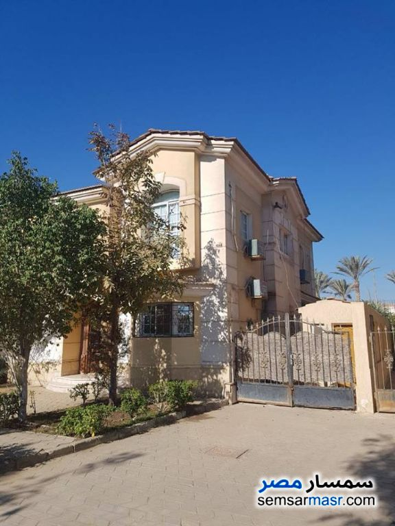Ad Photo: Villa 3 bedrooms 3 baths 360 sqm extra super lux in Al Bashayer District  6th of October