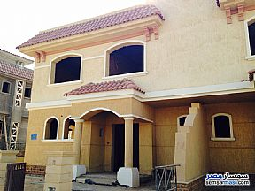 Ad Photo: Villa 3 bedrooms 4 baths 450 sqm without finish in Madinaty  Cairo