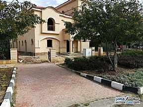 Ad Photo: Villa 5 bedrooms 3 baths 688 sqm without finish in Madinaty  Cairo