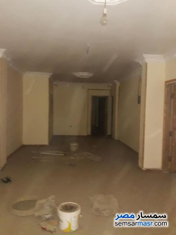 Photo 4 - Apartment 2 bedrooms 1 bath 100 sqm without finish For Sale Maadi Cairo