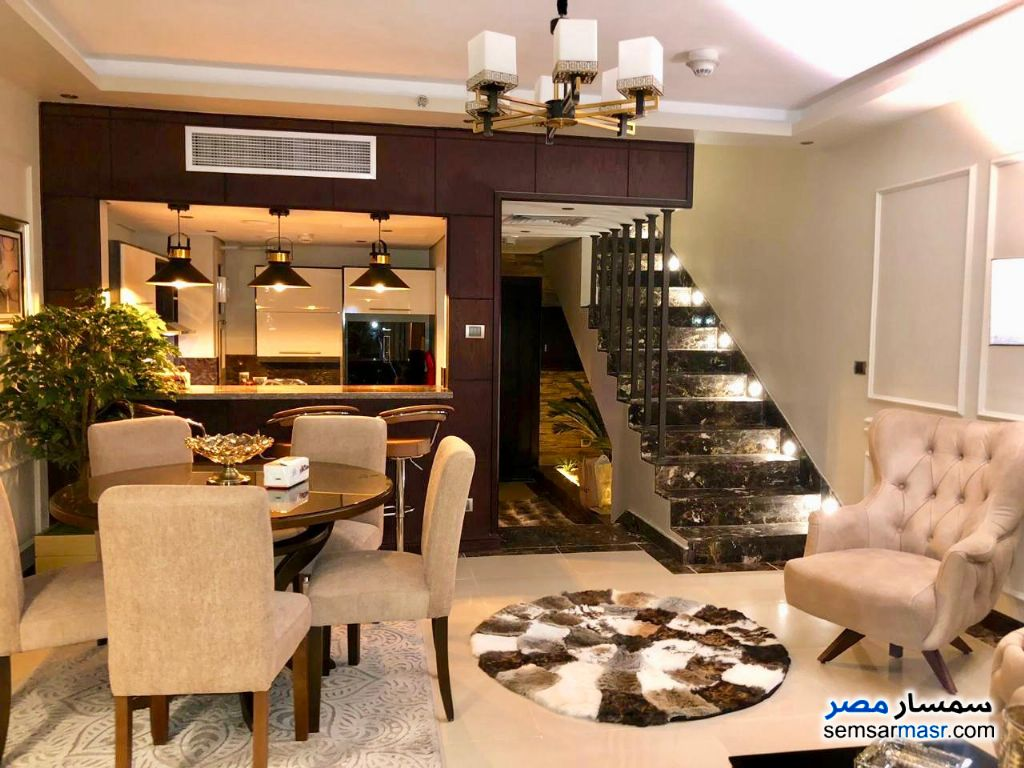 Photo 1 - Apartment 3 bedrooms 3 baths 200 sqm extra super lux For Rent Fifth Settlement Cairo