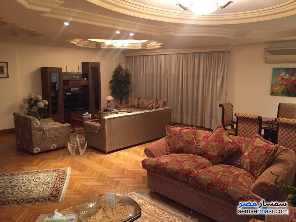 Ad Photo: Apartment 3 bedrooms 3 baths 250 sqm extra super lux in Dokki  Giza