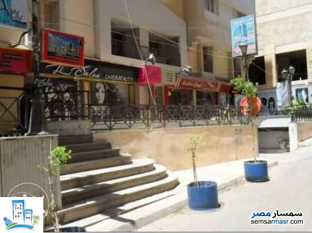 Ad Photo: Commercial 70 sqm in Laurent  Alexandira