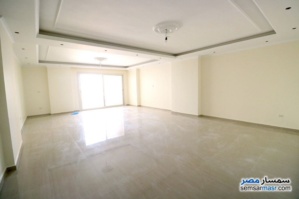 Photo 2 - Apartment 3 bedrooms 2 baths 220 sqm extra super lux For Sale Glim Alexandira