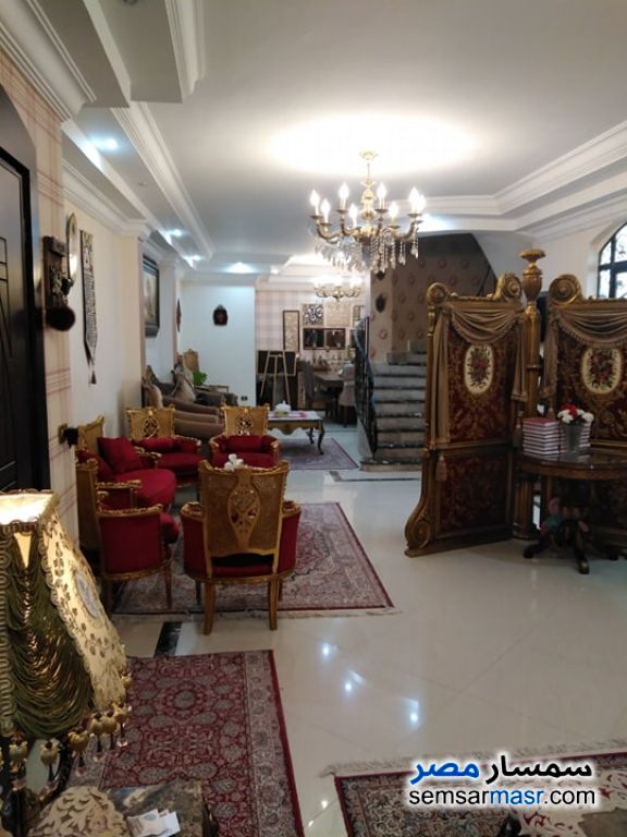 Ad Photo: Villa 4 bedrooms 6 baths 300 sqm extra super lux in Maadi  Cairo