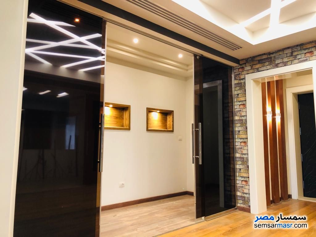 Photo 9 - Villa 13 bedrooms 16 baths 1,300 sqm extra super lux For Sale Rehab City Cairo
