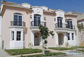 Ad Photo: Villa 5 bedrooms 5 baths 266 sqm without finish in Fifth Settlement  Cairo