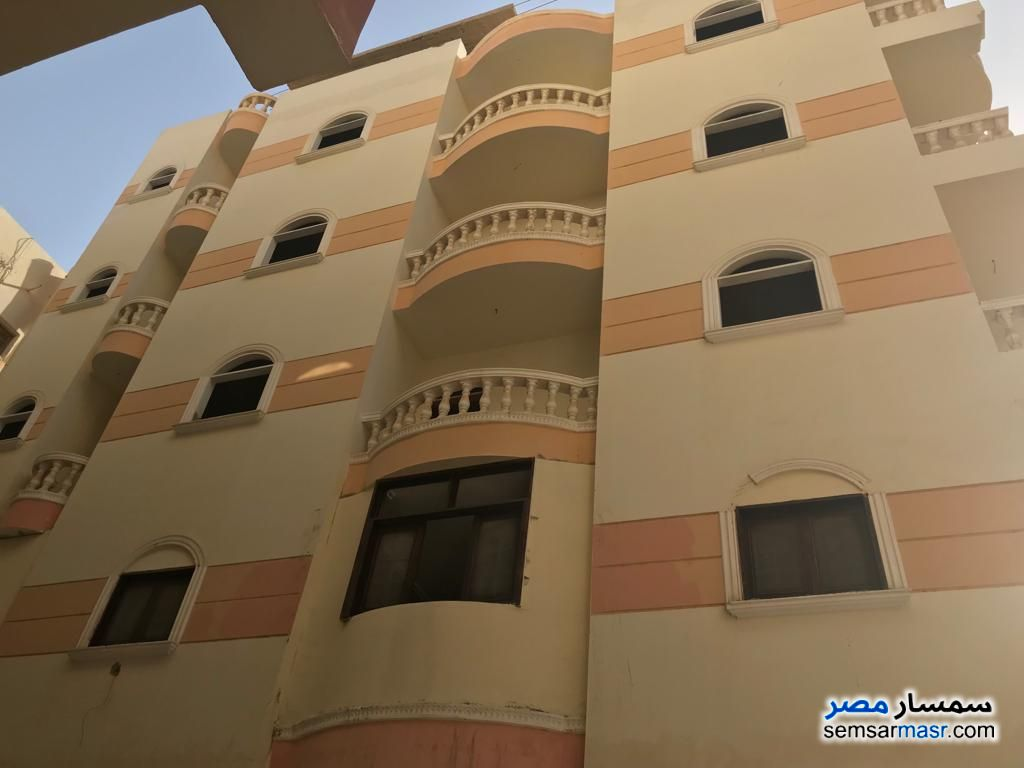 Ad Photo: Apartment 2 bedrooms 1 bath 82 sqm lux in Hurghada  Red Sea