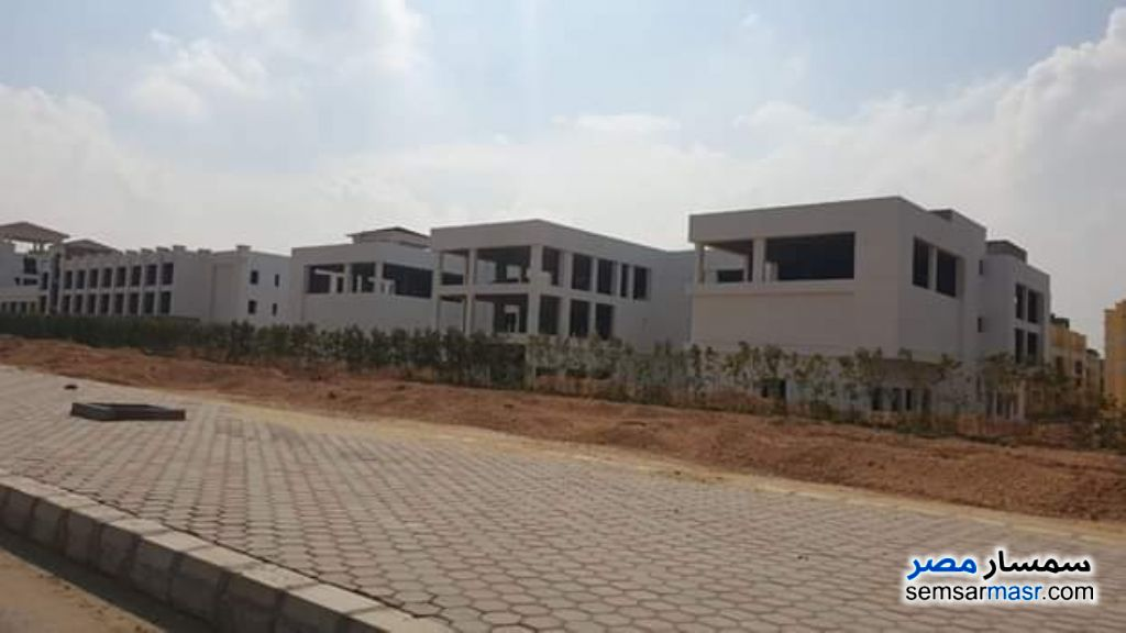 Ad Photo: Commercial 4400 sqm in October Gardens  6th of October