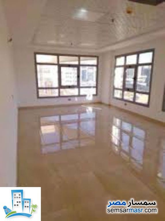 Ad Photo: Commercial 1100 sqm in Downtown Cairo  Cairo