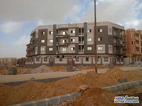 Ad Photo: Apartment 3 bedrooms 3 baths 160 sqm semi finished in Shorouk City  Cairo