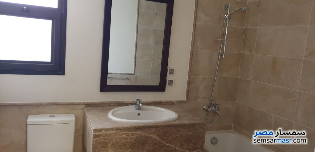 Photo 3 - Apartment 3 bedrooms 3 baths 186 sqm extra super lux For Rent Fifth Settlement Cairo