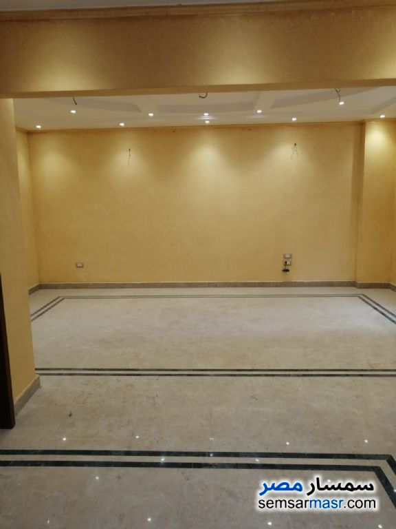 Photo 2 - Apartment 3 bedrooms 2 baths 300 sqm extra super lux For Rent Heliopolis Cairo