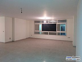 Ad Photo: Apartment 5 bedrooms 3 baths 250 sqm extra super lux in Mohandessin  Giza